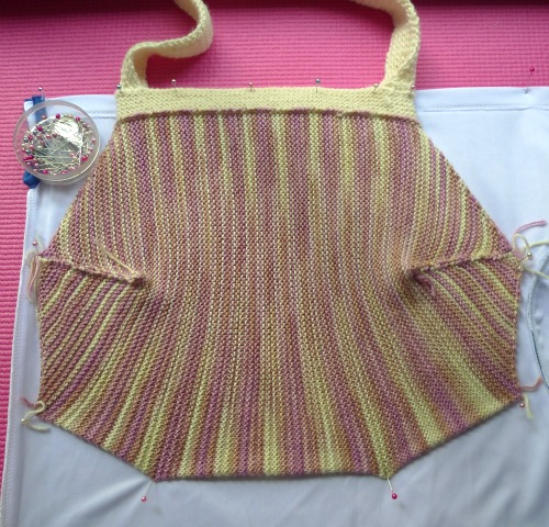Lining the garter stitch handbag