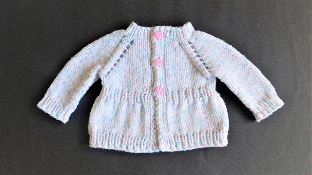 Knitting patterns for baby sweaters